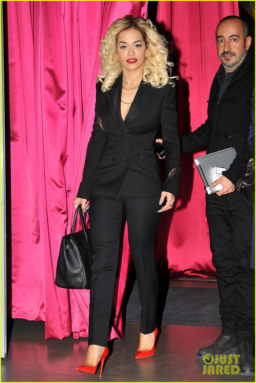 rita ora vip room paris showcase 17