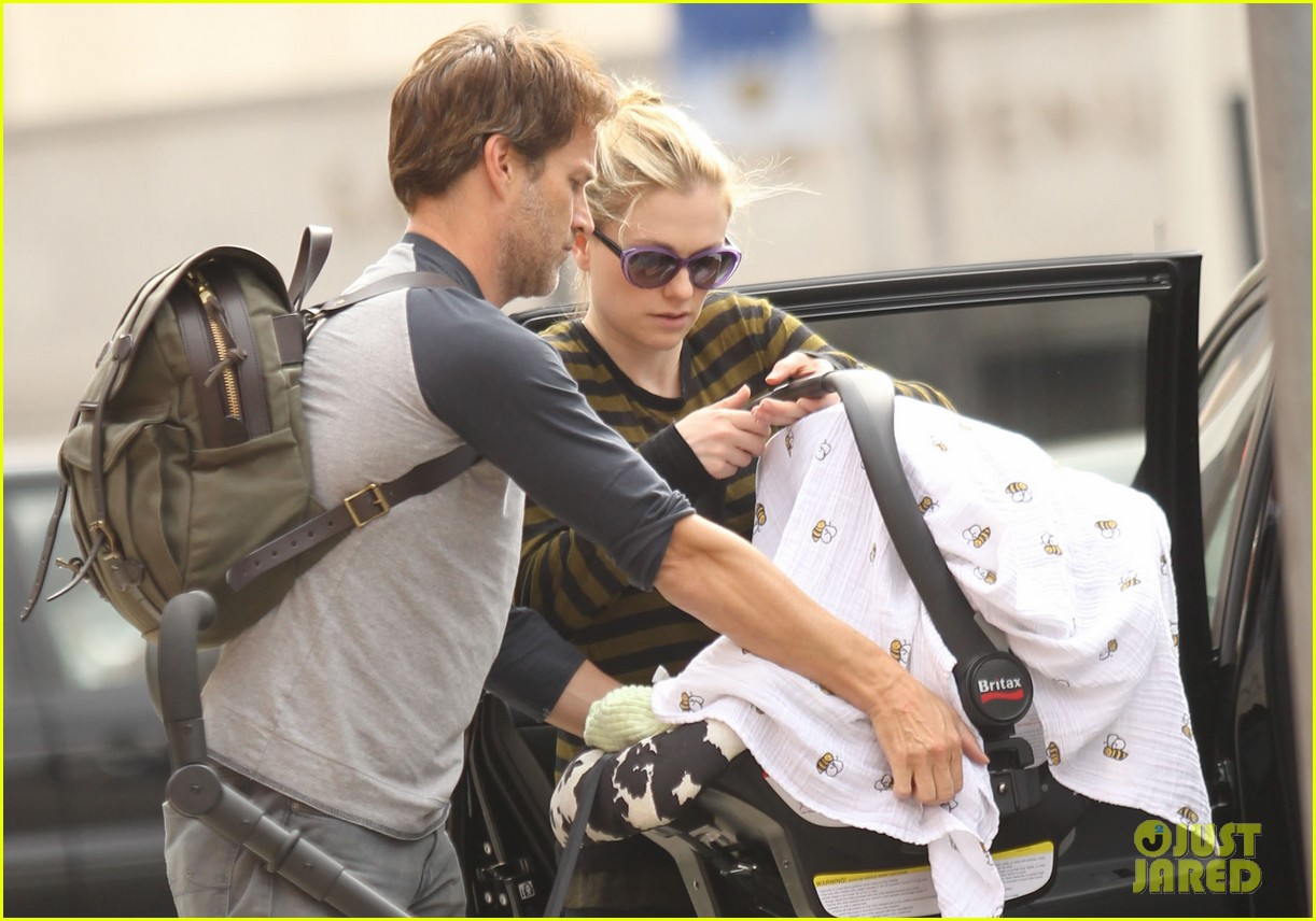 anna paquin stephen moyer doctors appointment with the twins 02