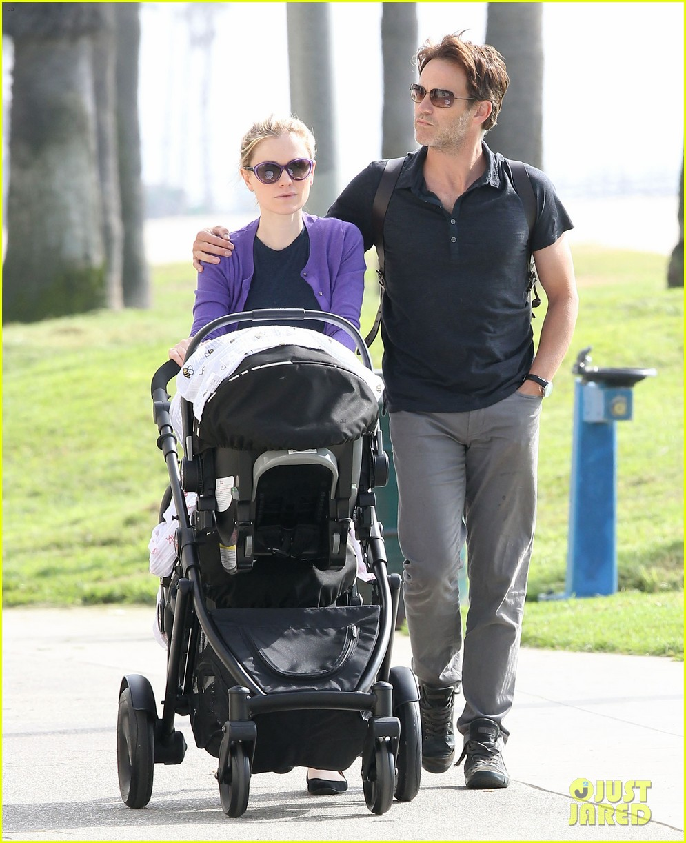 anna paquin stephen moyer park stroll with the twins 03