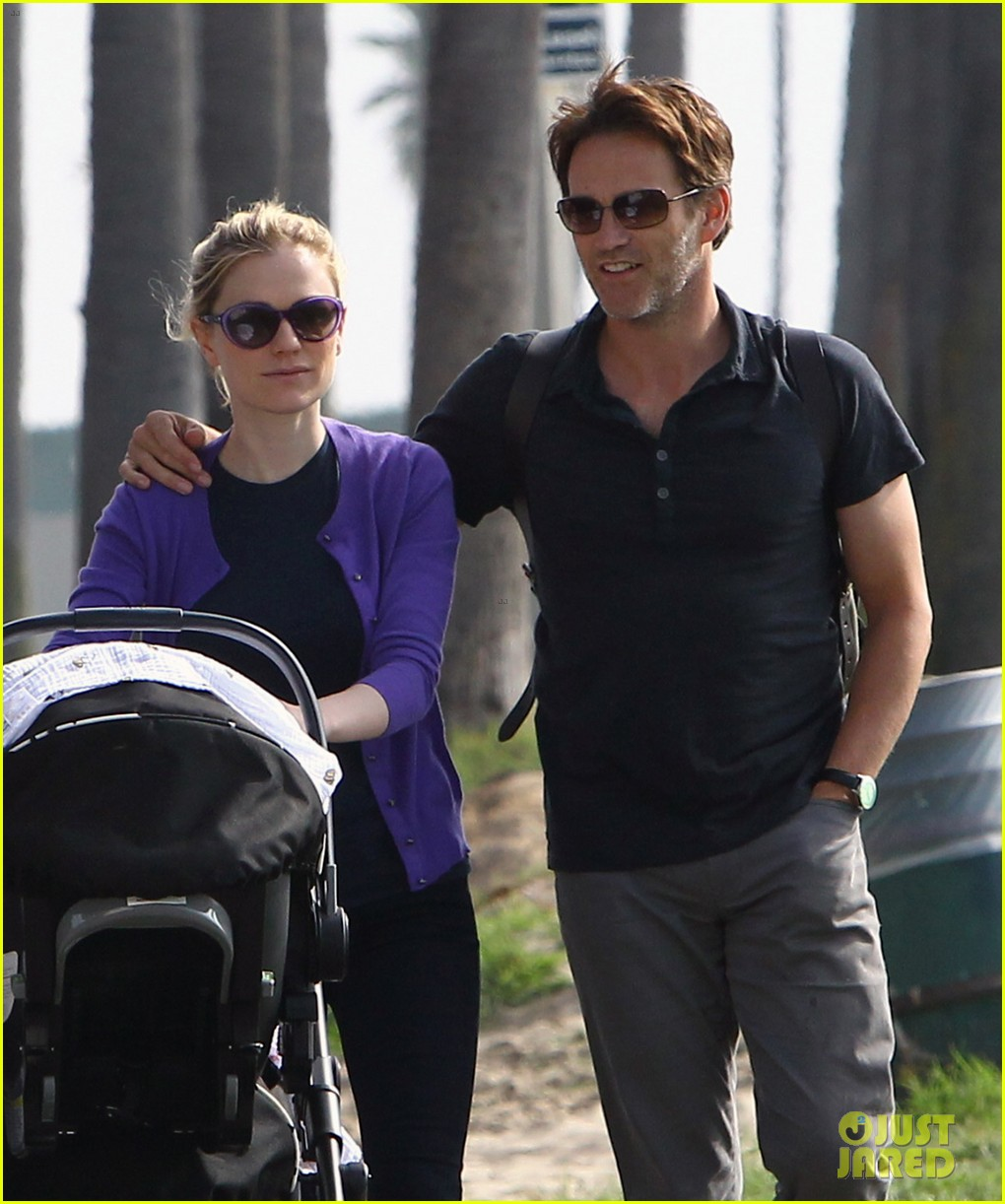 anna paquin stephen moyer park stroll with the twins 08