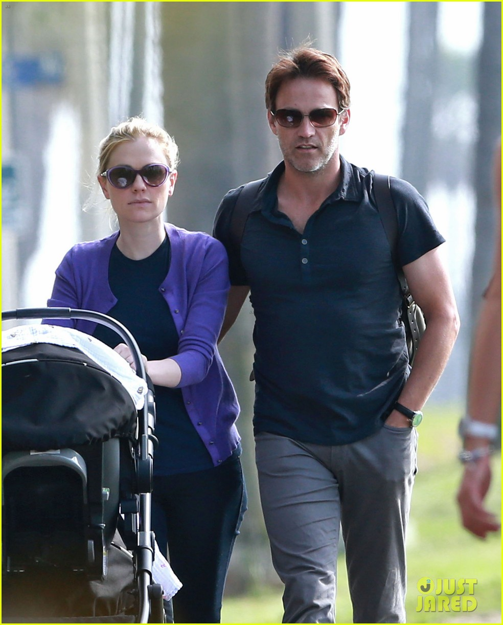 anna paquin stephen moyer park stroll with the twins 102752796