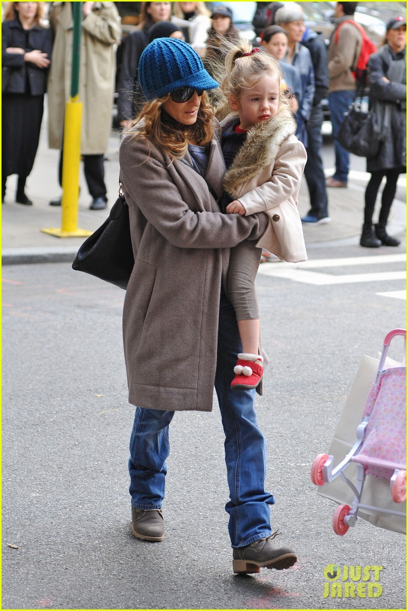 sarah jessica parker matthew broderick lunch with twins 03
