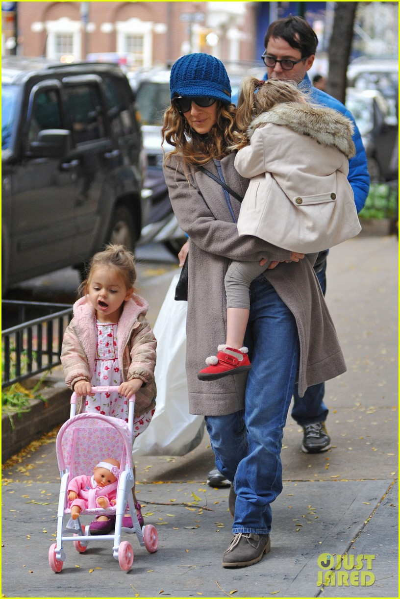 sarah jessica parker matthew broderick lunch with twins 04