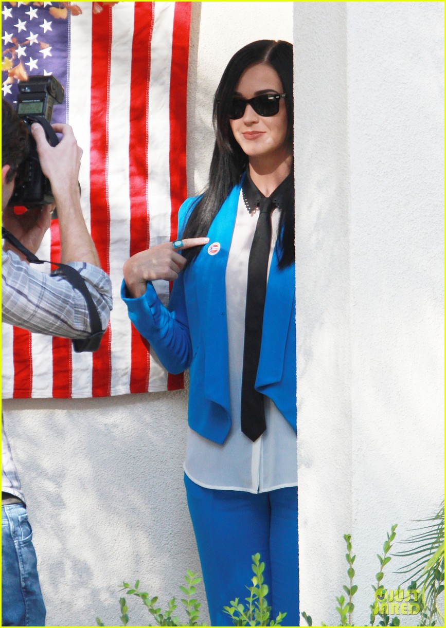 katy perry excited to exercise my civic duty 08