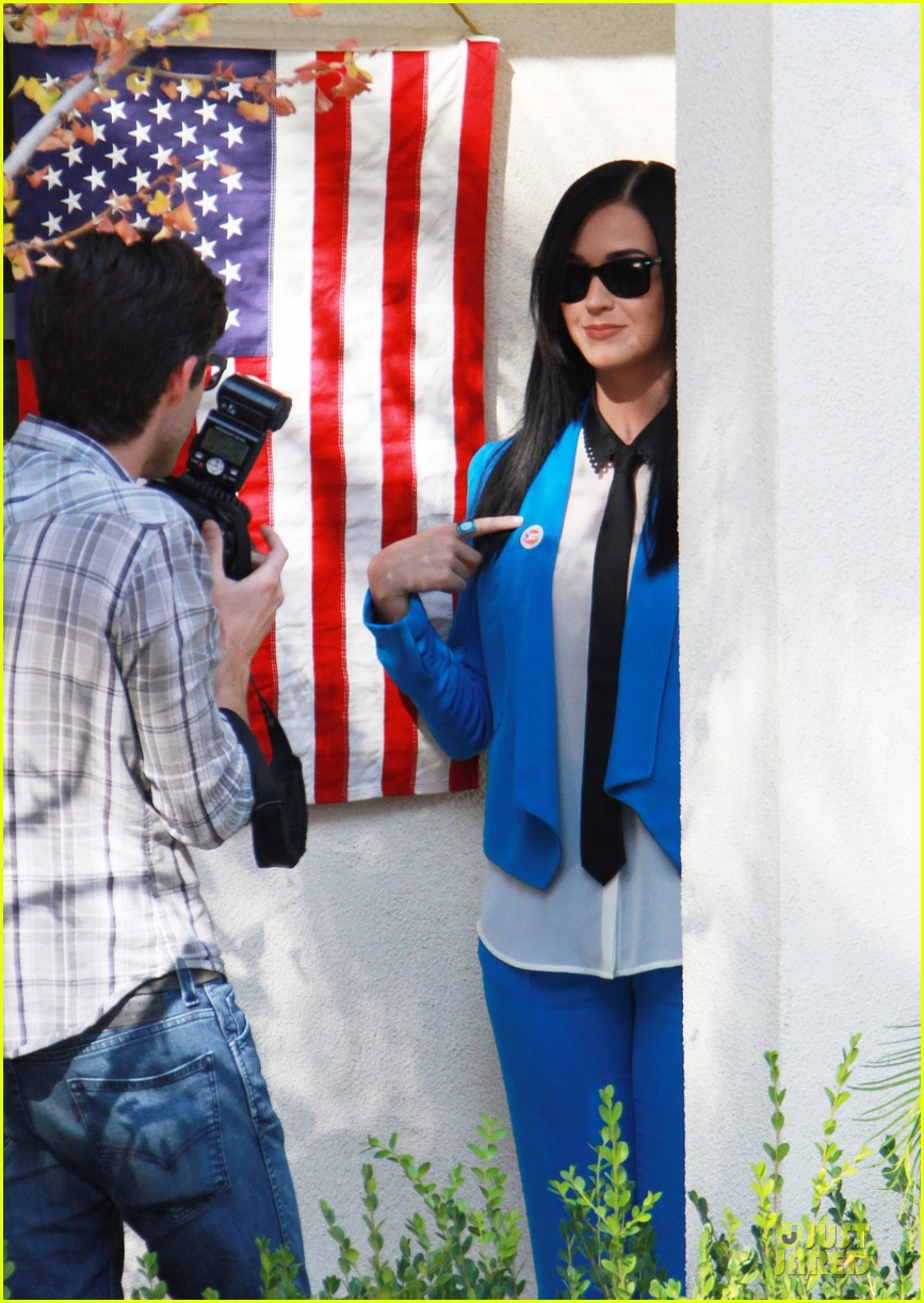 katy perry excited to exercise my civic duty 09