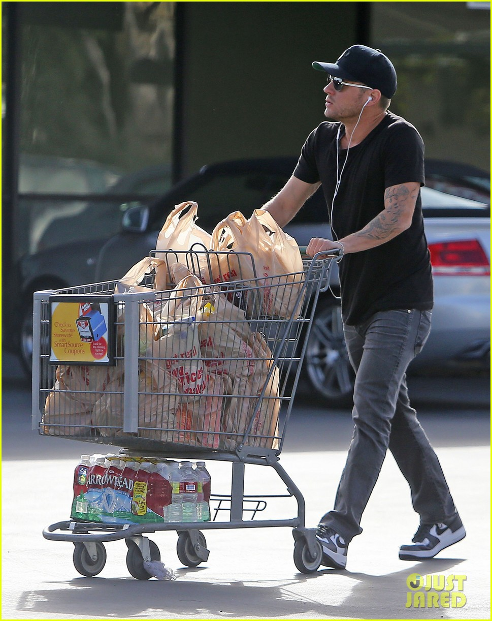 ryan phillippe new mystery blonde 16