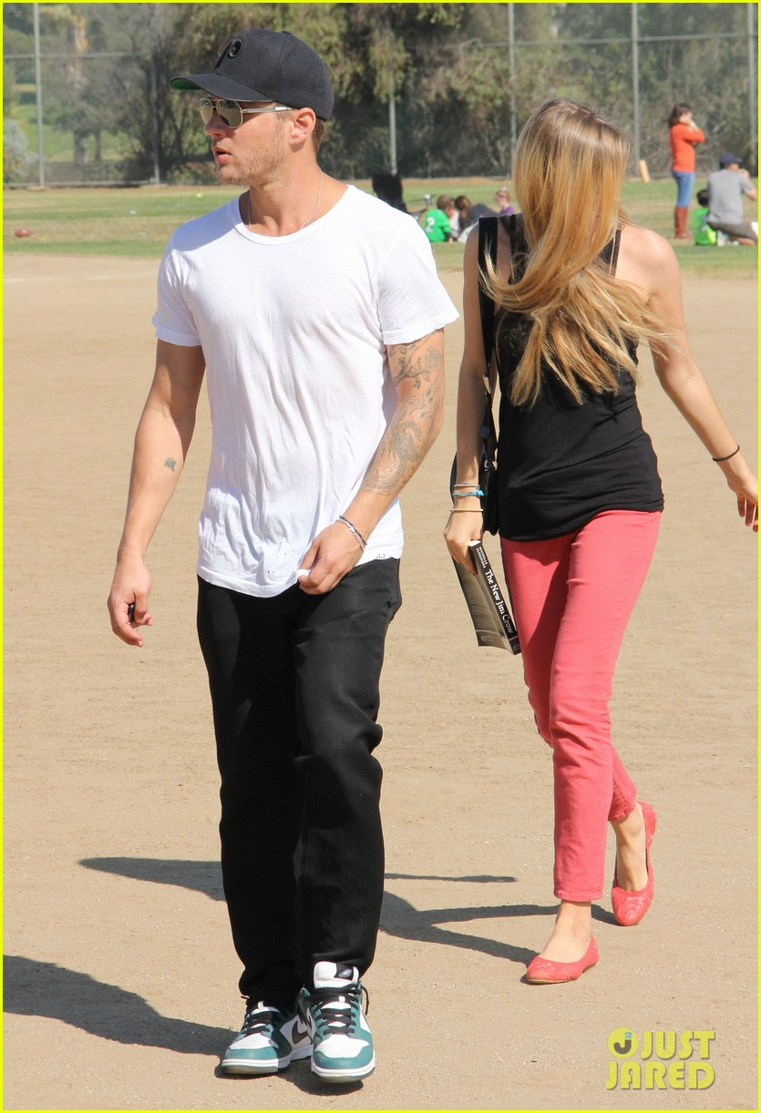 ryan phillippe deacons soccer game with paulina slagter 12