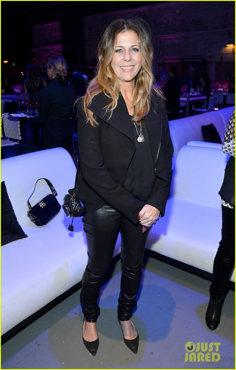 pink rita wilson st john power of pink fundraiser 01