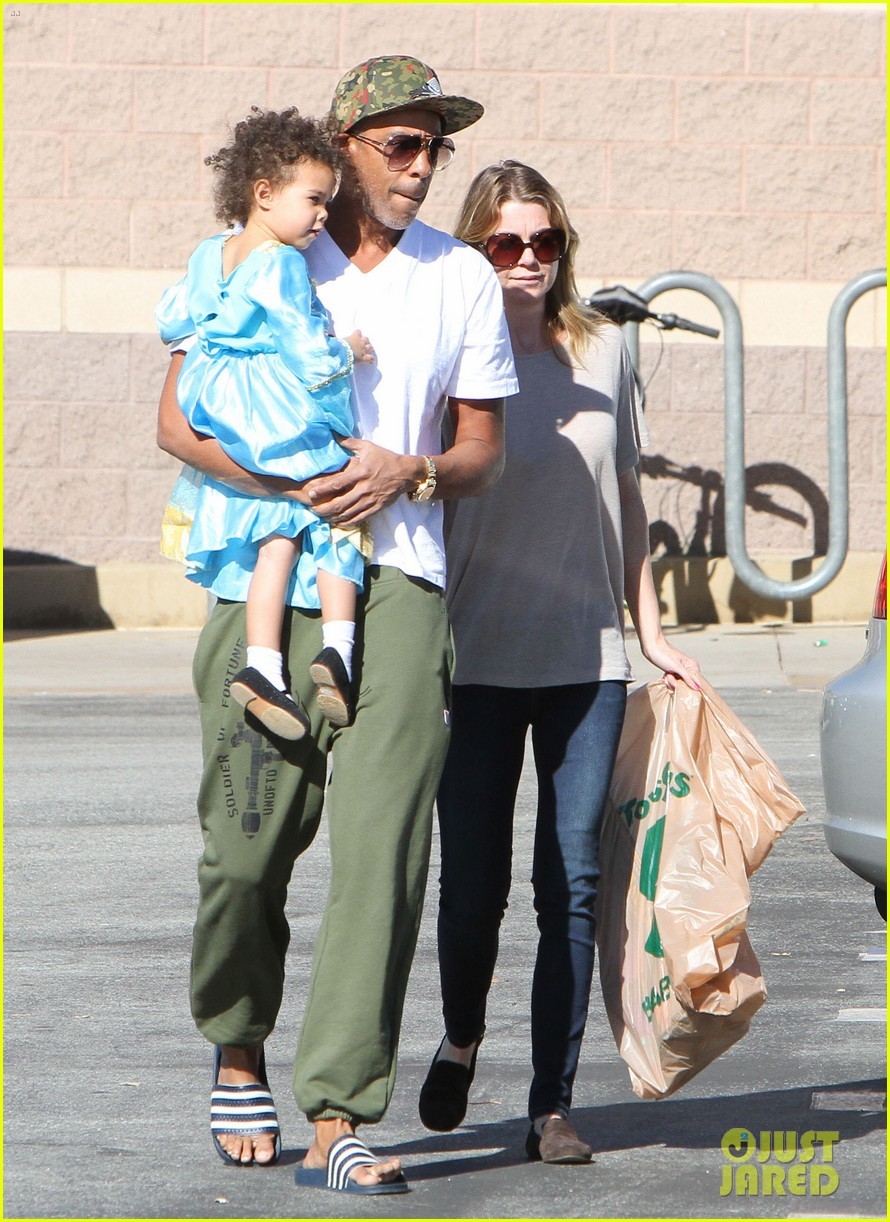 ellen pompeo chris ivery toys r us shopping with stella 02
