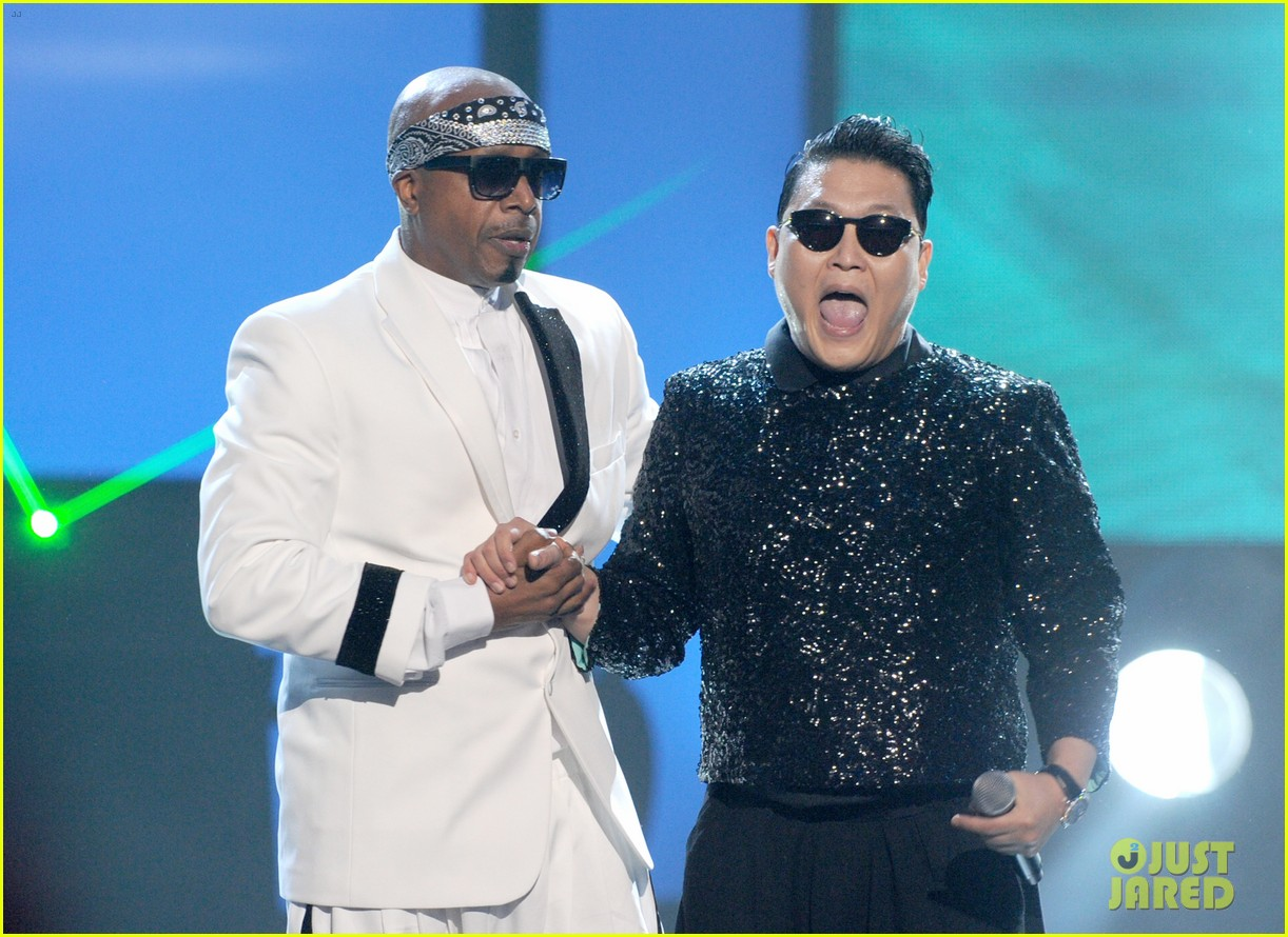 psy mc hammer performance 03