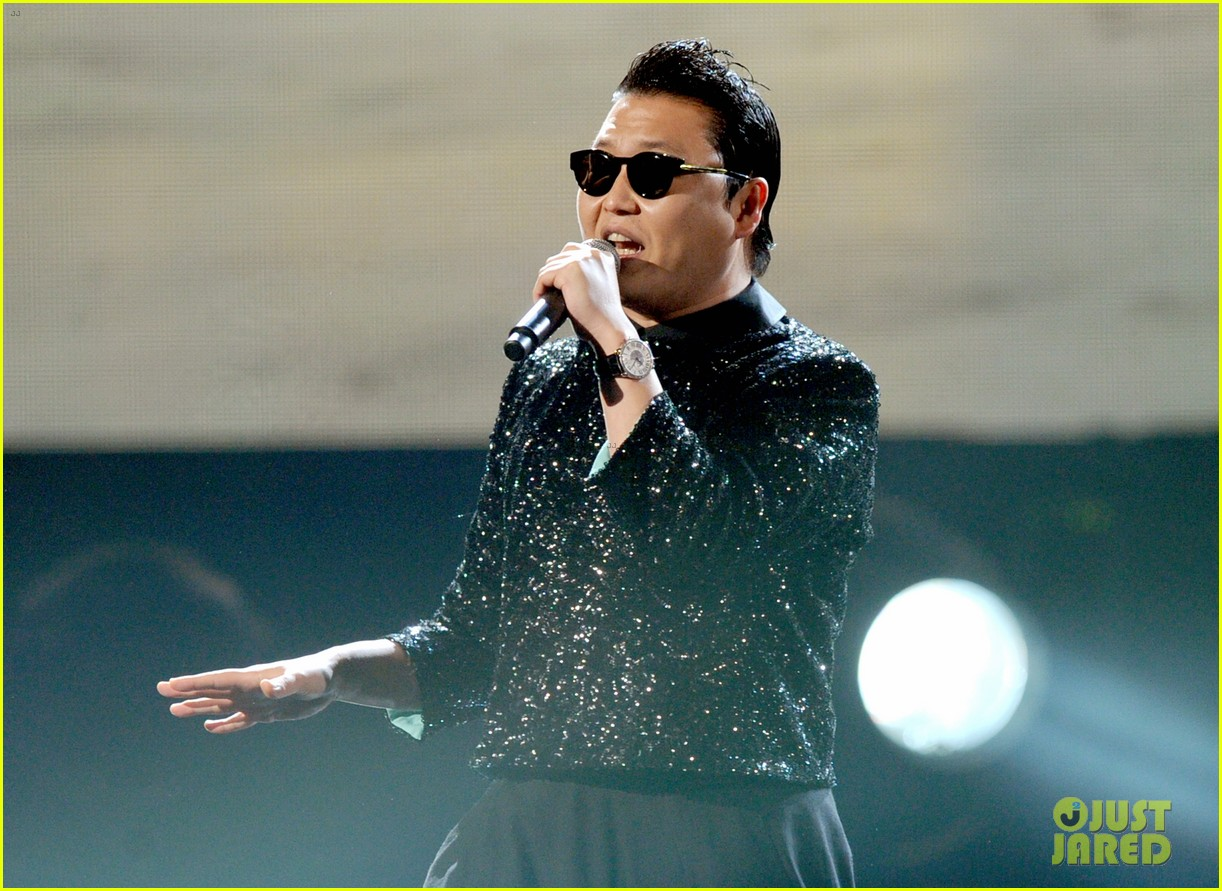 psy mc hammer performance 042760448