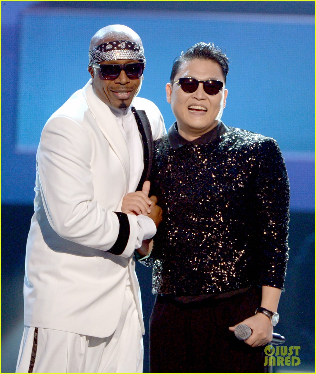 psy mc hammer performance 15
