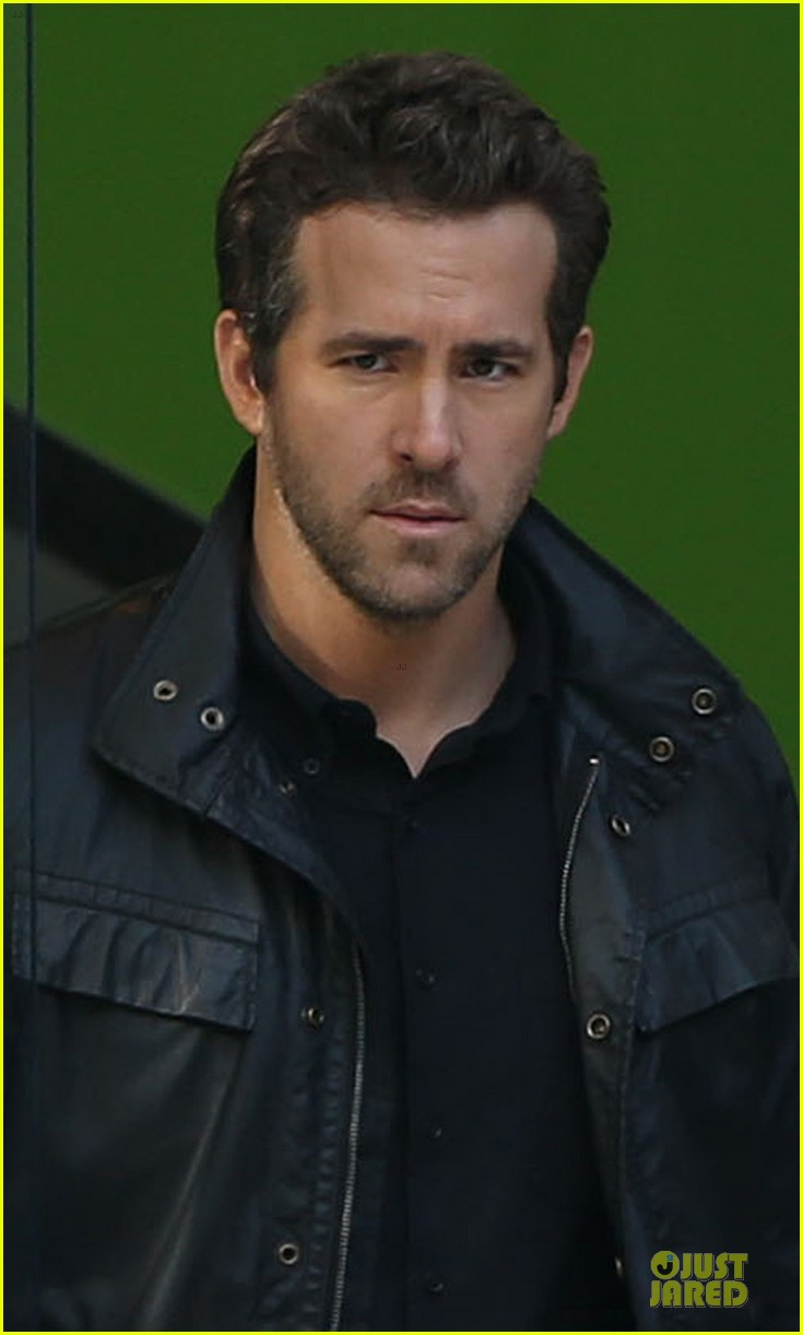 ryan reynolds ripd reshoots with mary louise parker 02
