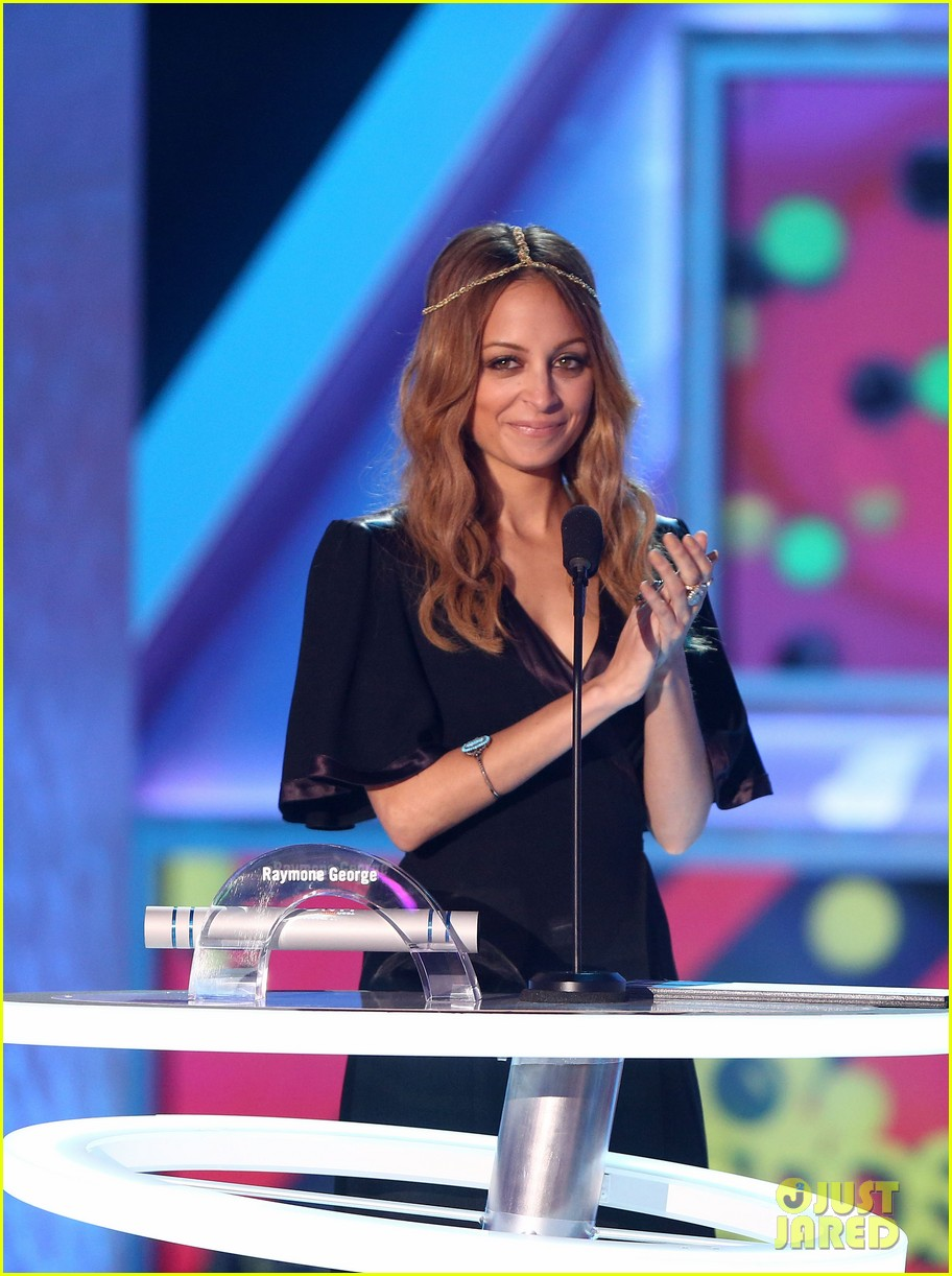 nicole richie teennick halo awards 2012 042759900