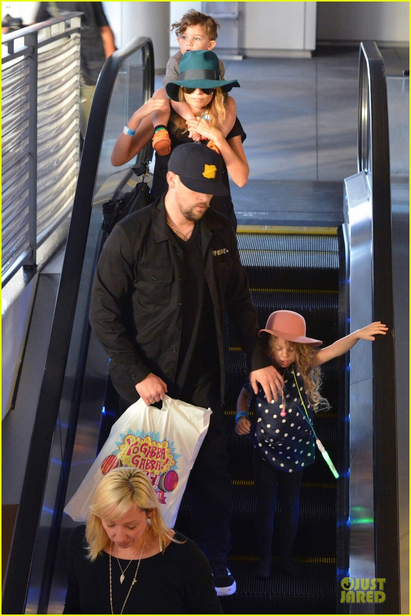 nicole richie joel madden yo gabba gabba show with the kids 12