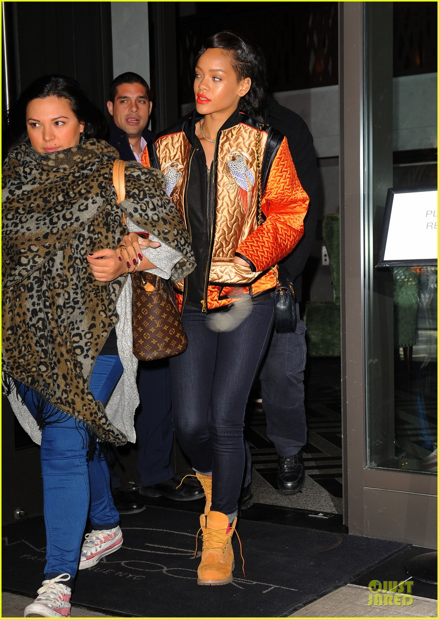 rihanna nobodys business is how i look everything regarding my personal life 03