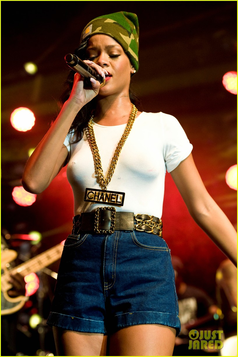rihanna stockholm stop on 777 tour exclusive 33