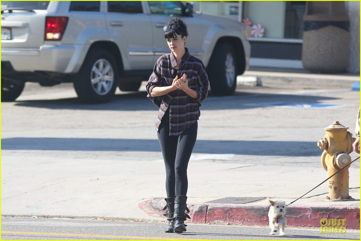 krysten ritter brian geraghty sunday breakfast in silverlake 092764027