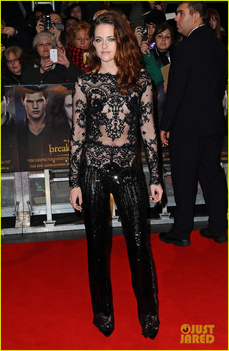 robert pattinson kristen stewart twilight breaking dawn part 2 uk premiere 01