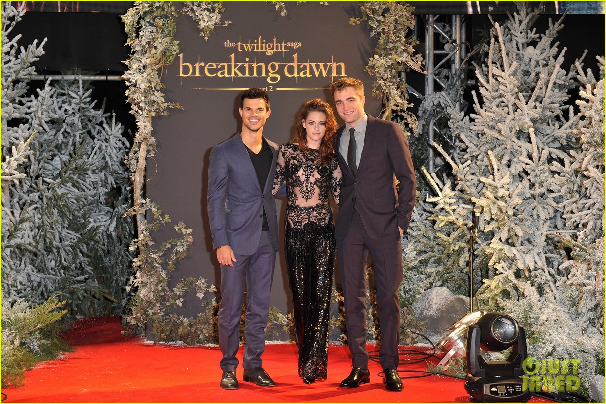 robert pattinson kristen stewart twilight breaking dawn part 2 uk premiere 02