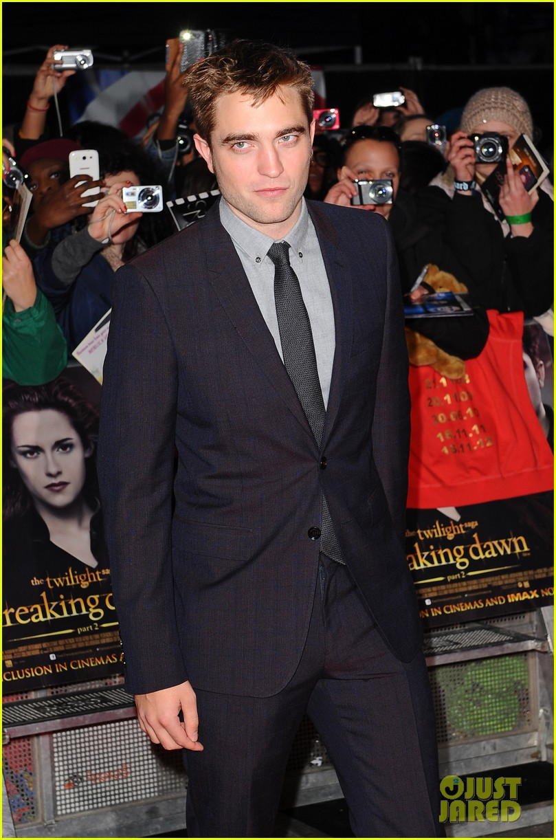 robert pattinson kristen stewart twilight breaking dawn part 2 uk premiere 09