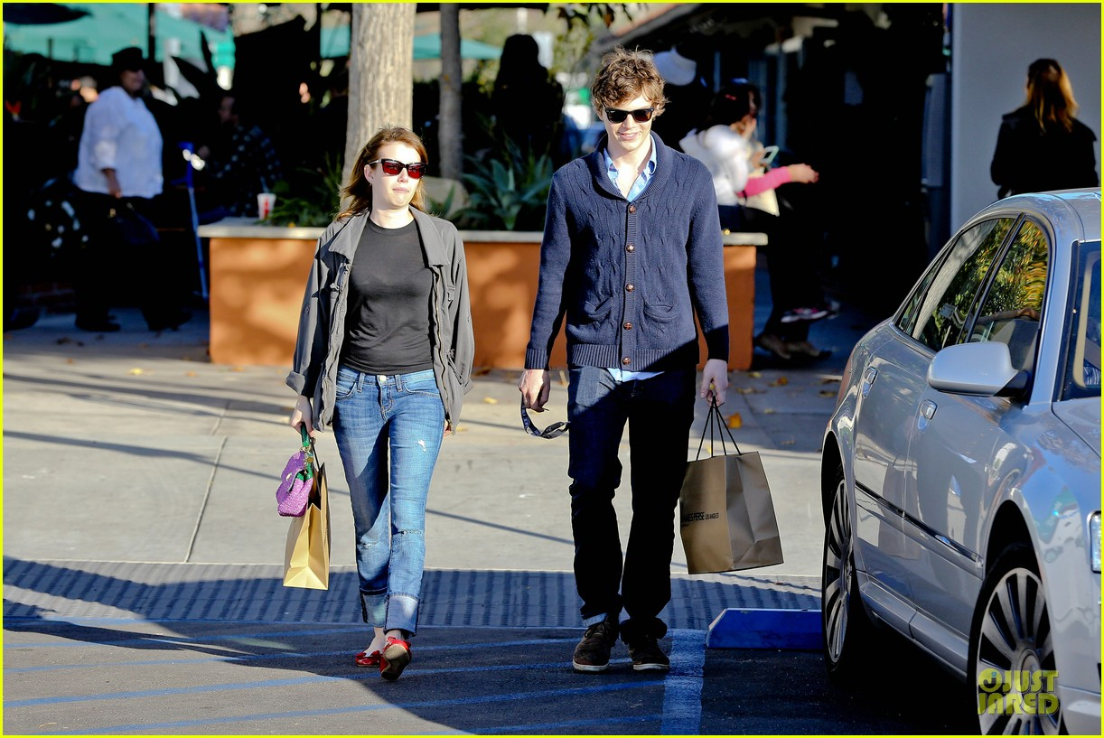 emma roberts evan peters black friday shopping couple 072763077