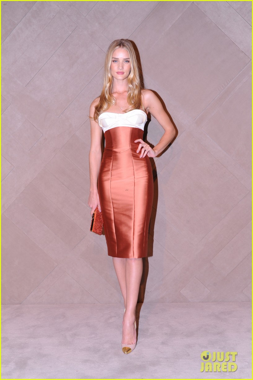 rosie huntington whiteley burberry store opening 04