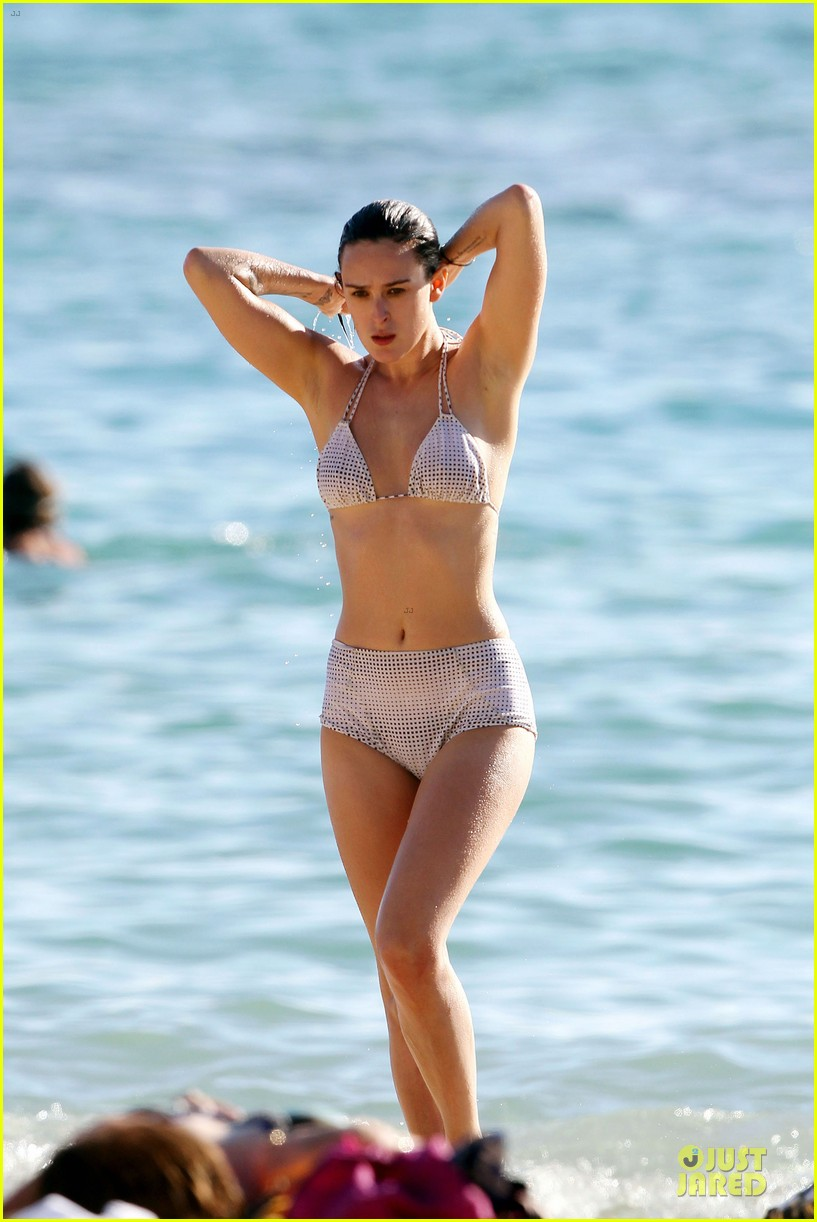 rumer willis hawaiian bikini beauty 23