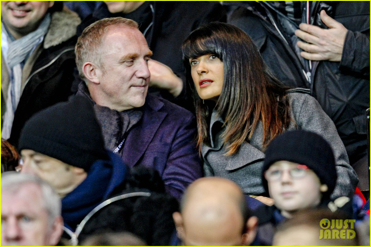 salma hayek french first league soccer fan 08