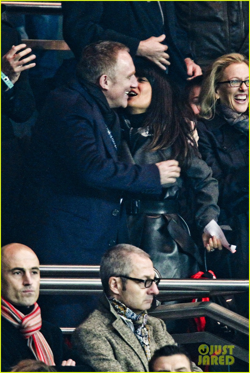 salma hayek french first league soccer fan 12