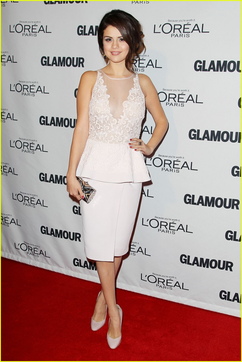selena gomez glamour women of the year awards 08