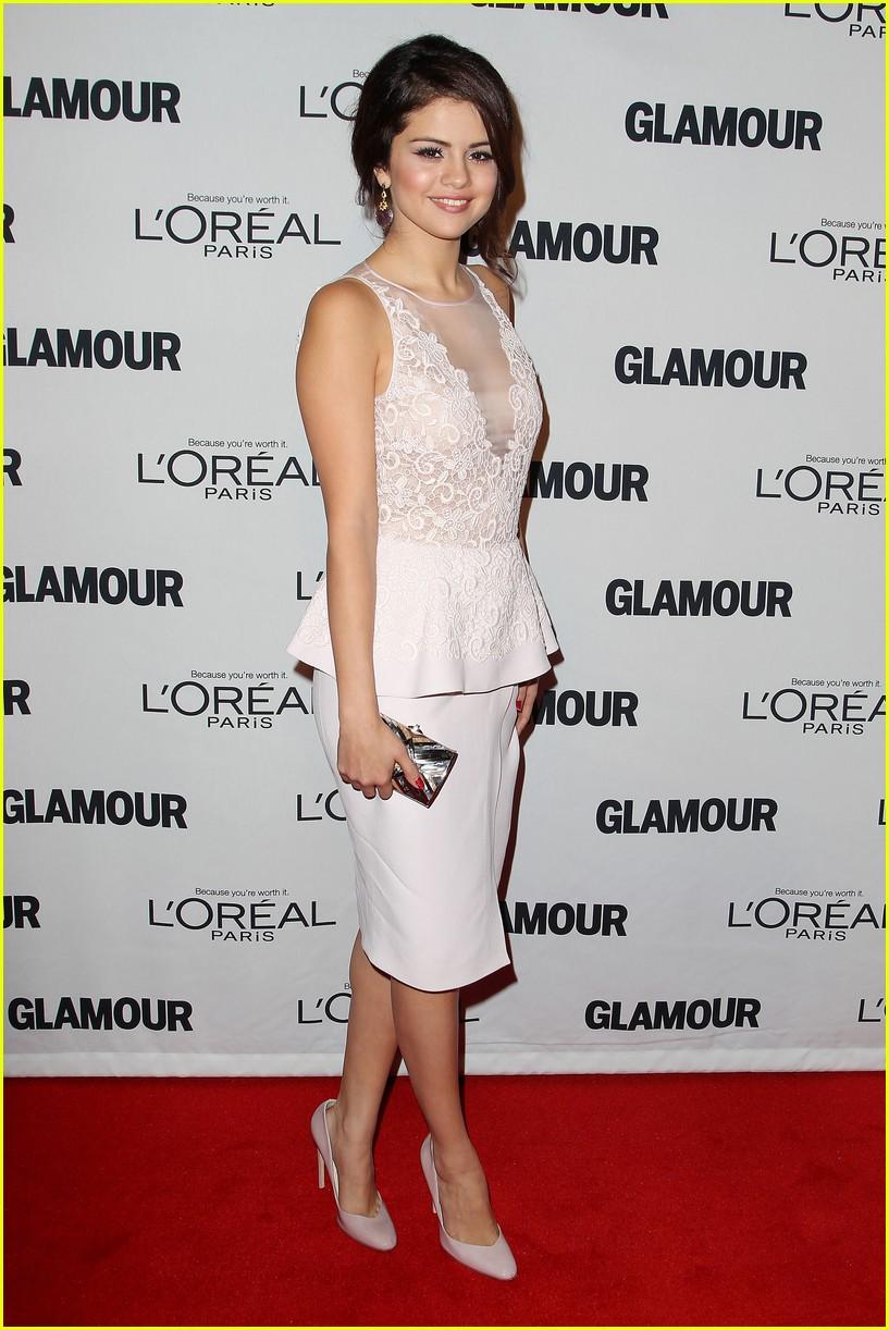 selena gomez glamour women of the year awards 11