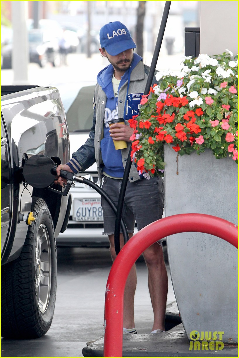 shia labeouf cutoff short shorts in hollywood 13