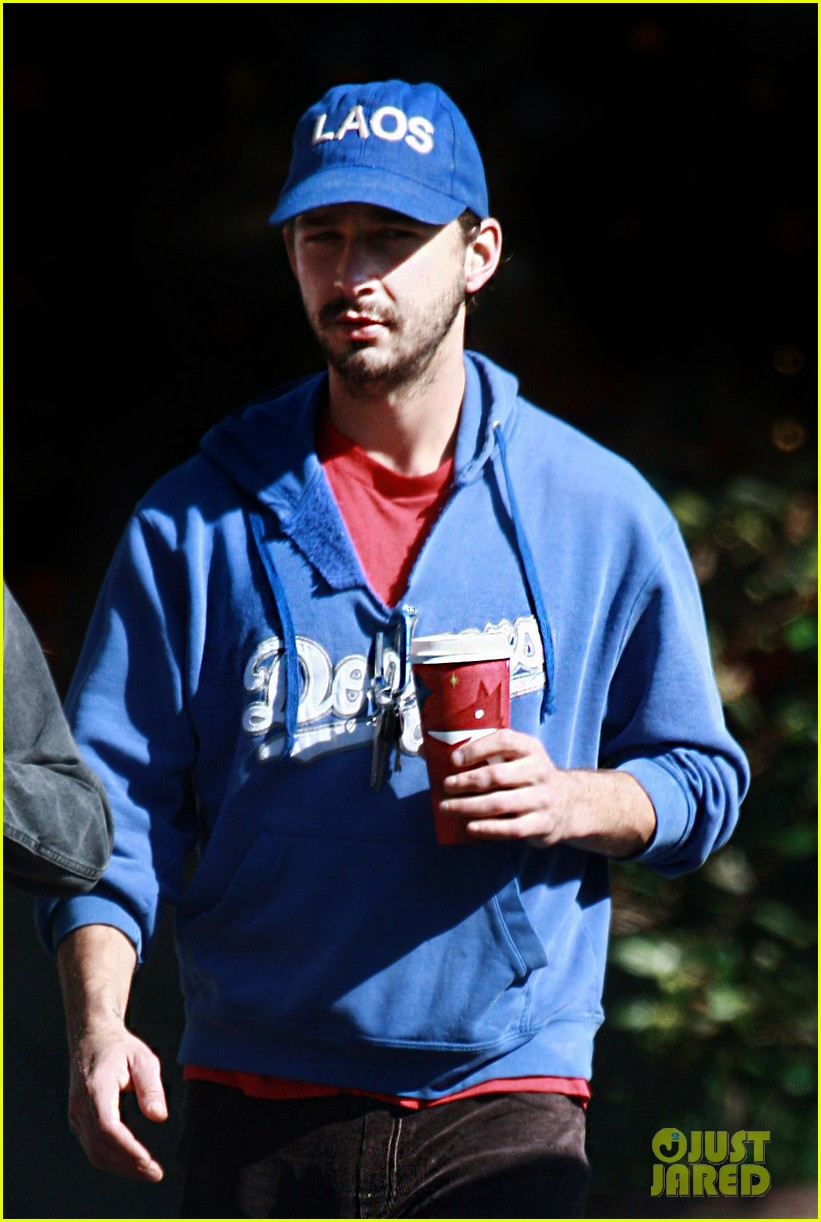 shia labeouf mia goth thanksgiving 012762487