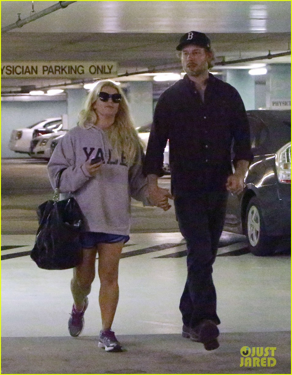 jessica simpson eric johnson hold hands in beverly hills 052754282