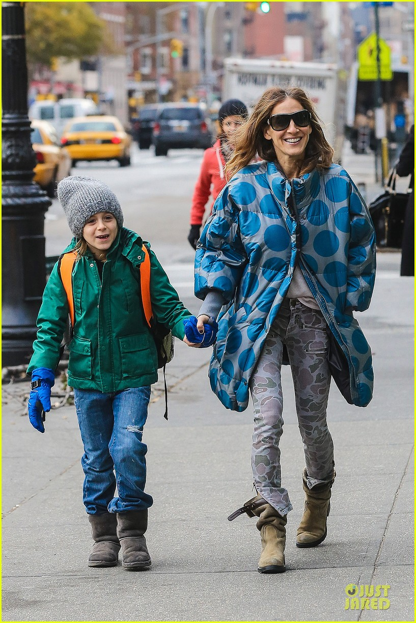 sarah jessica parker gives back to hurricane sandy victims 01