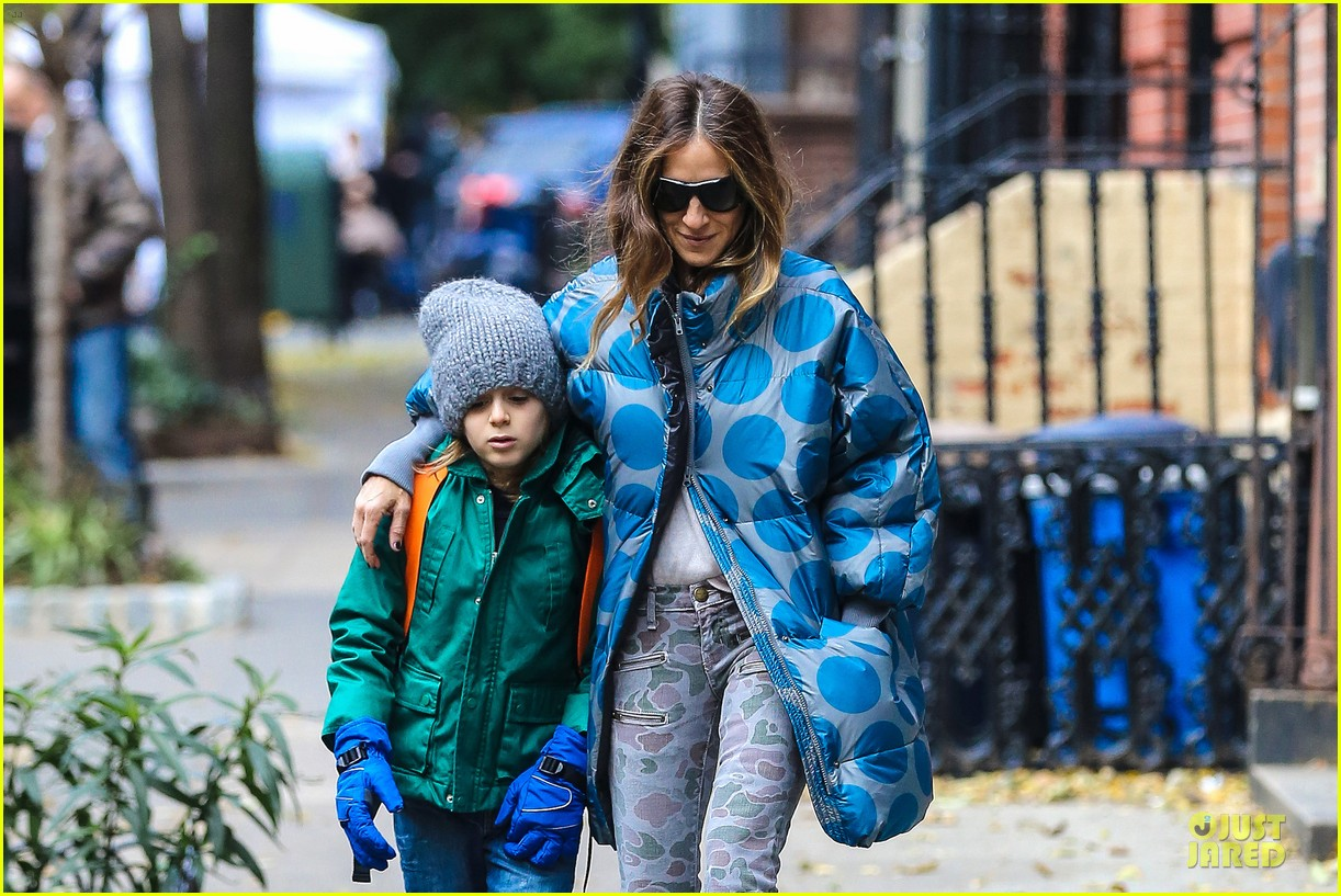 sarah jessica parker gives back to hurricane sandy victims 02
