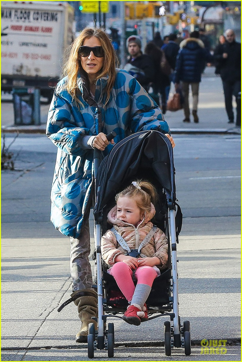 sarah jessica parker gives back to hurricane sandy victims 03