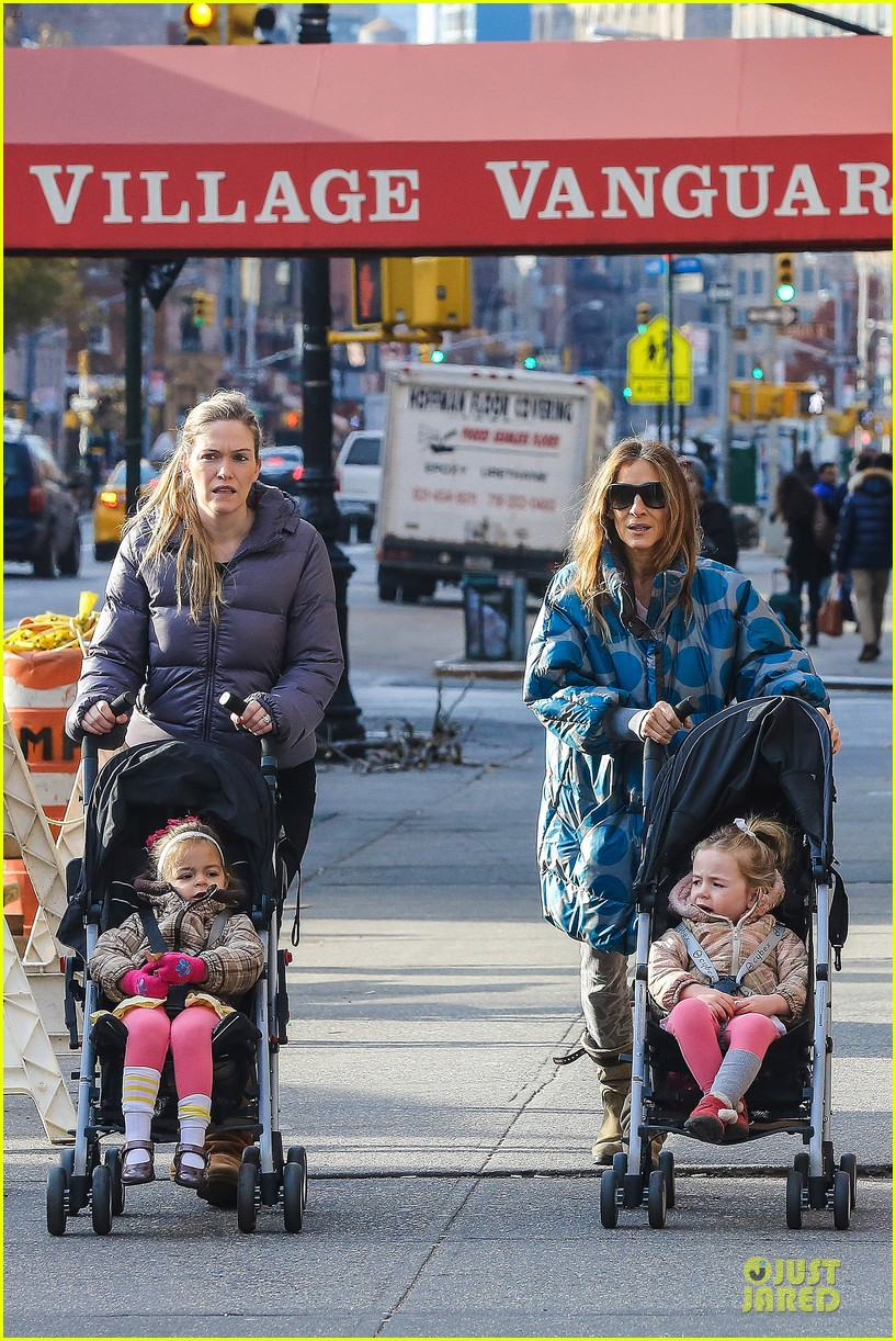 sarah jessica parker gives back to hurricane sandy victims 08