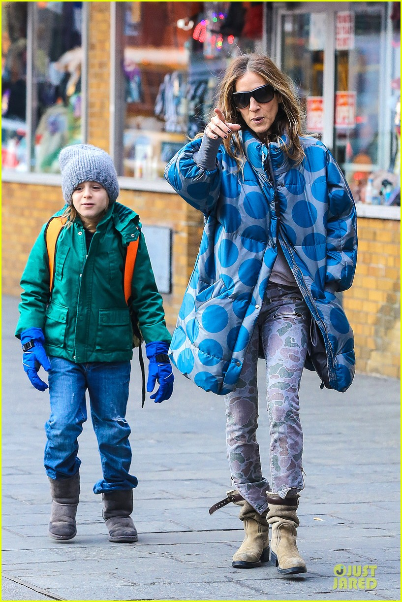 sarah jessica parker gives back to hurricane sandy victims 09