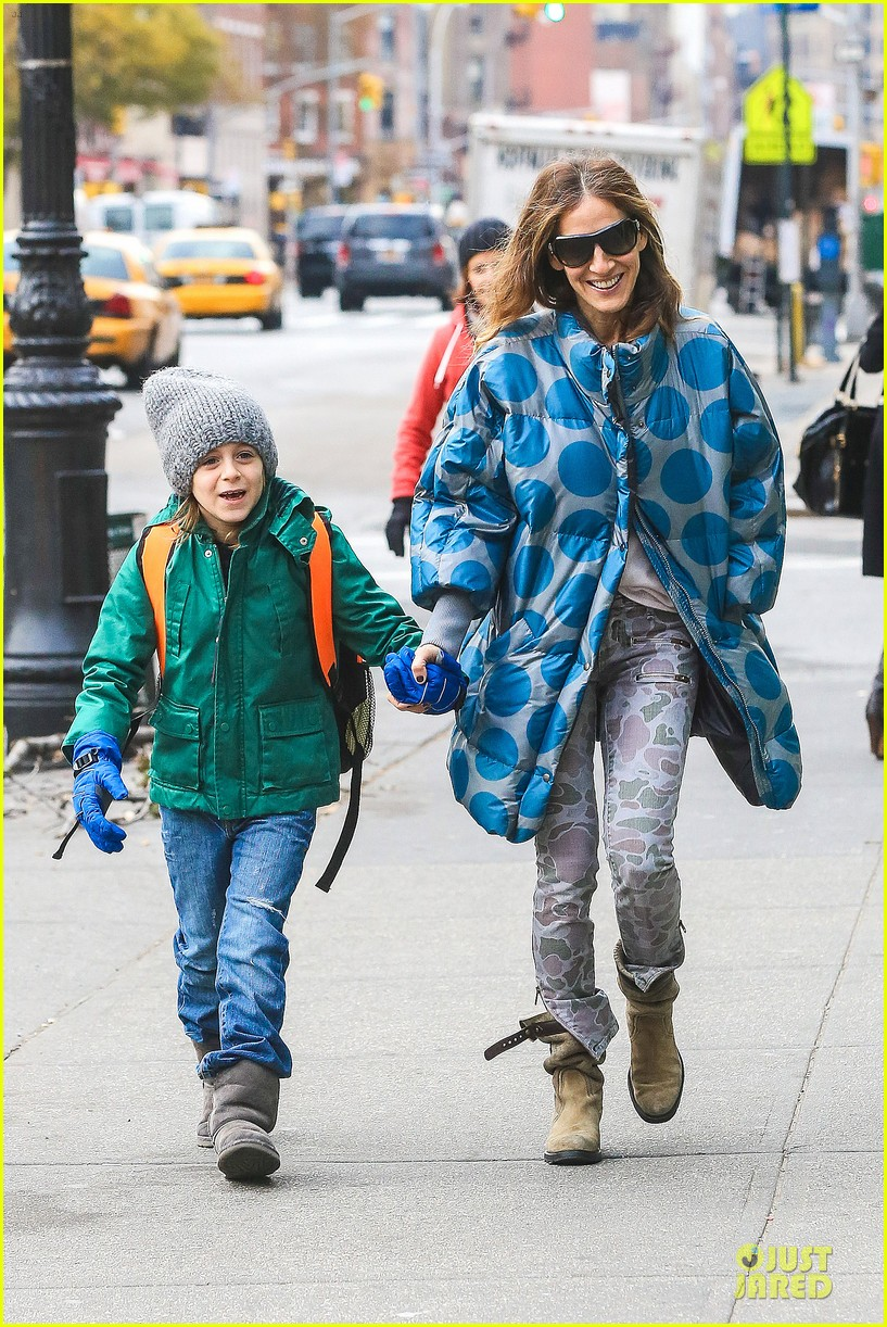 sarah jessica parker gives back to hurricane sandy victims 12