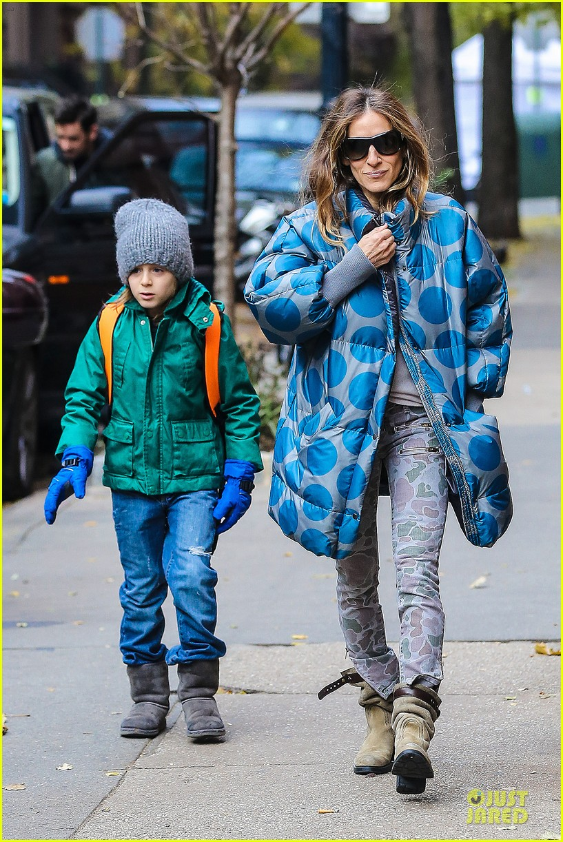 sarah jessica parker gives back to hurricane sandy victims 17