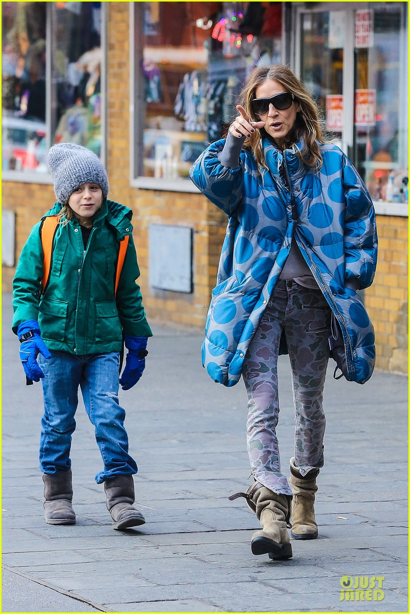 sarah jessica parker gives back to hurricane sandy victims 19