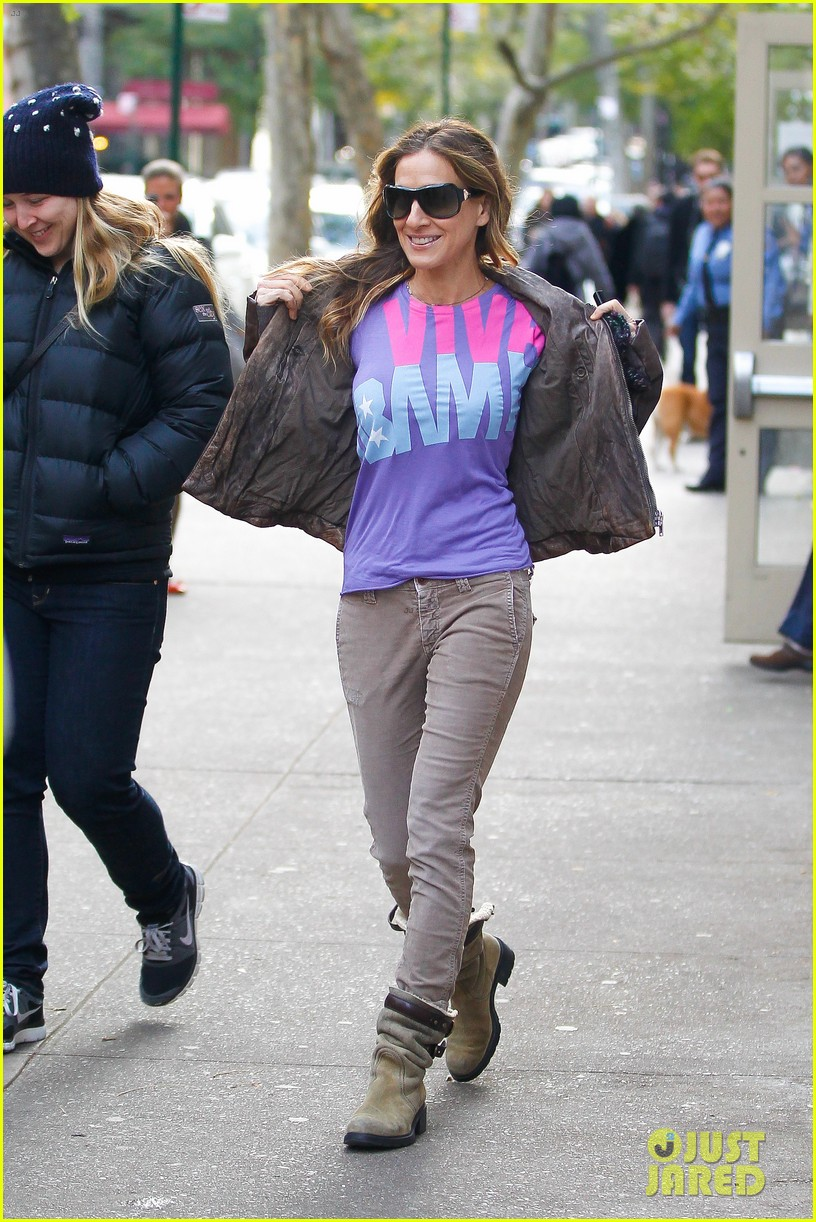 sarah jessica parker viva obama shirt on election day 07