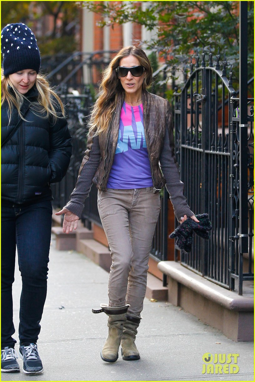 sarah jessica parker viva obama shirt on election day 10