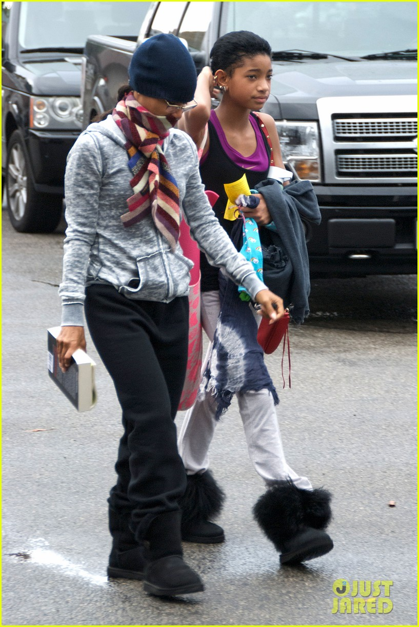 willow smith yoga class cutie 06