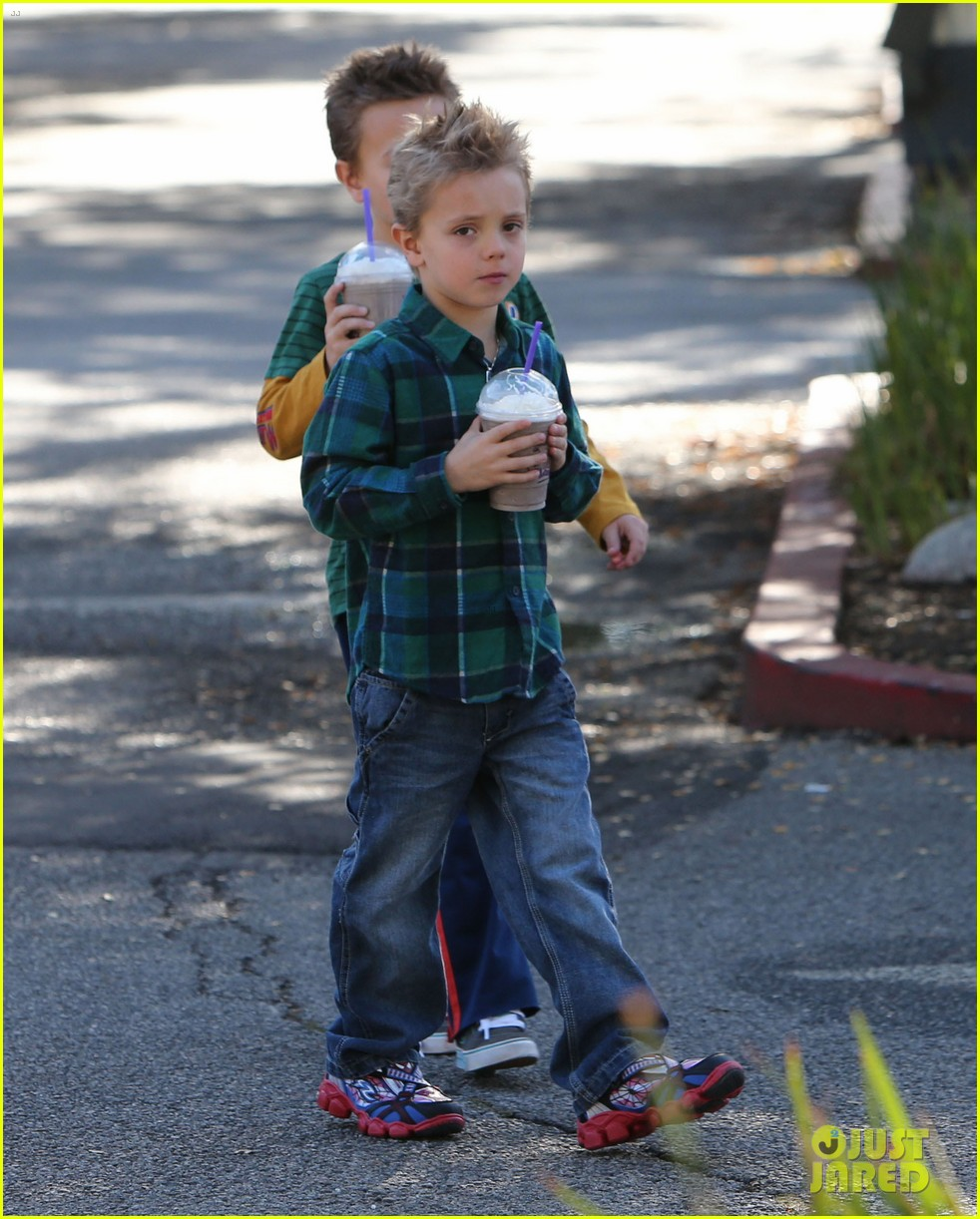 britney spears coffee bean with sean preston jayden james 222760656