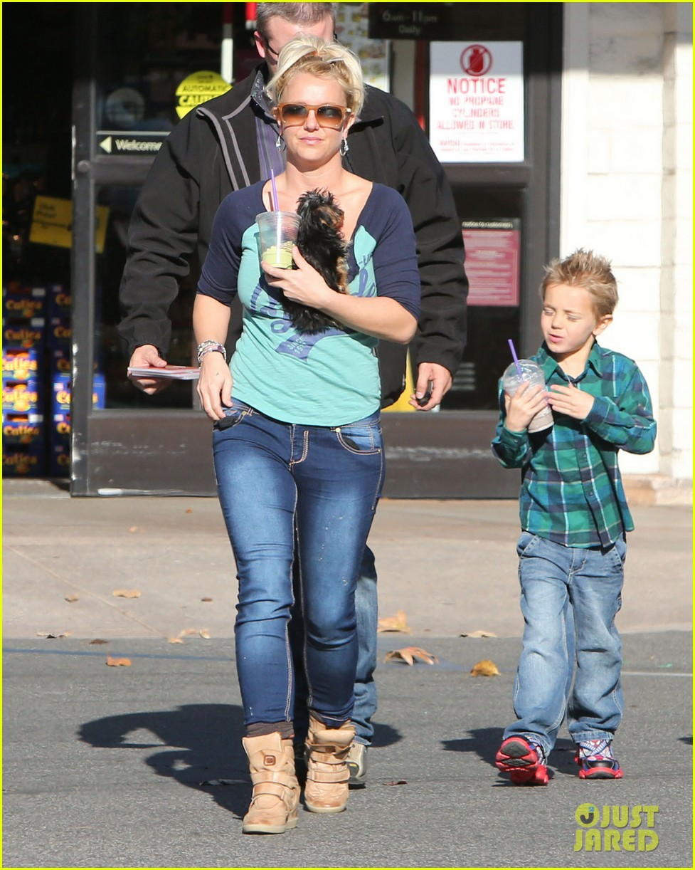 britney spears coffee bean with sean preston jayden james 25