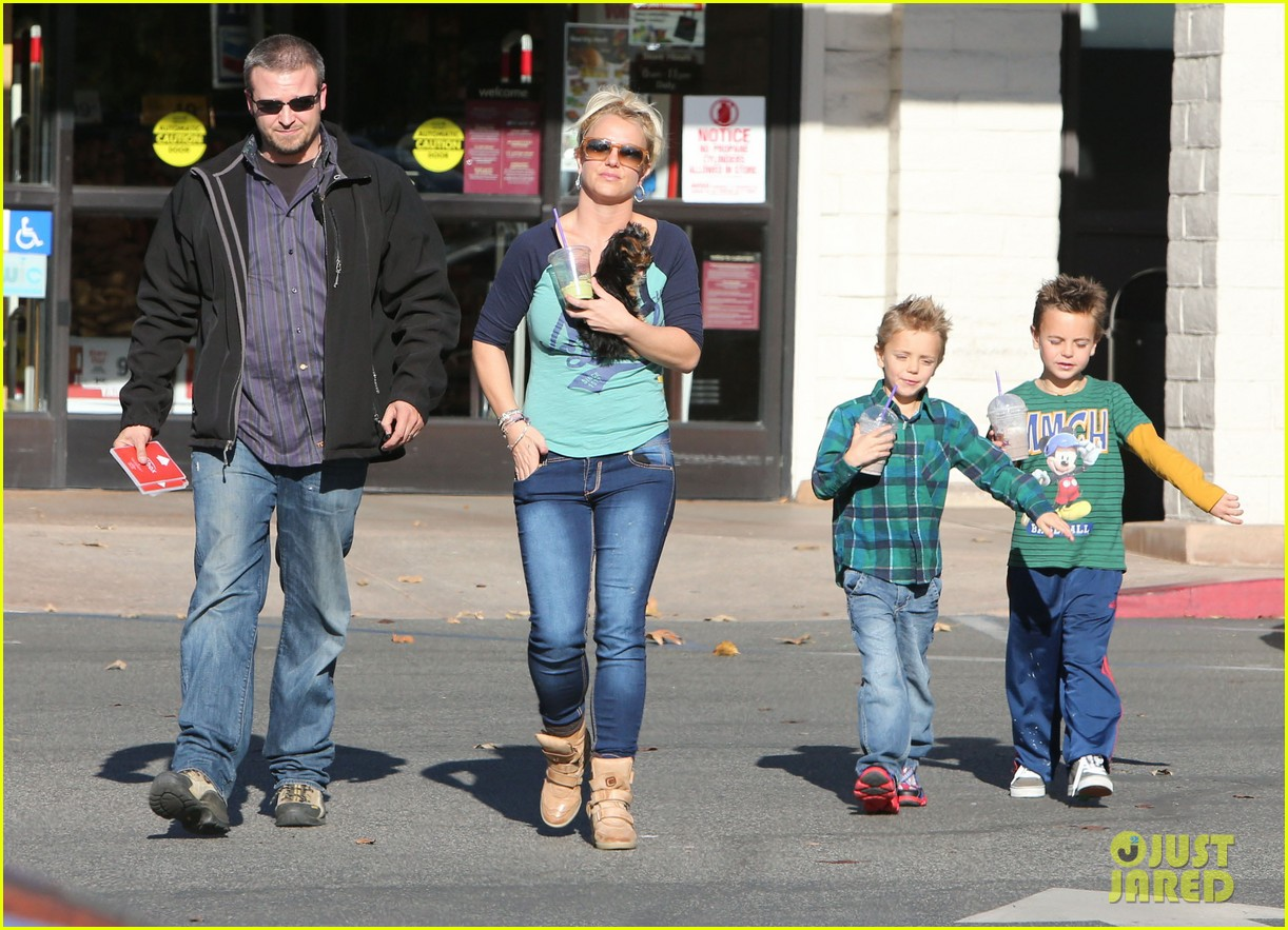 britney spears coffee bean with sean preston jayden james 27
