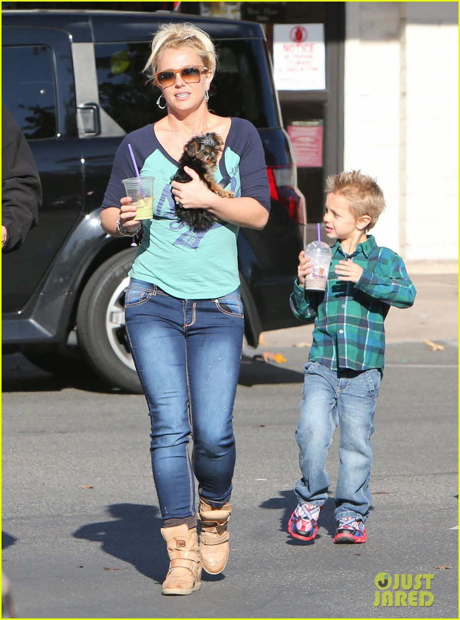 britney spears coffee bean with sean preston jayden james 28